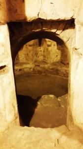 Il sancta sanctorum della chiesa romanica è il raddoppio dell'abside della preesistente chiesa longobarda