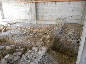 Un'immagine degli scavi sotto la scuola elementare di San Bartolomeo al Mare